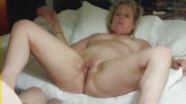 Pornografia sem registo  As vídeos pornôs 2018 crianças da manhã começaram com a língua de um amante adulto